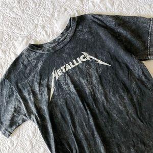 Tops - Metallica Graphic Tee
